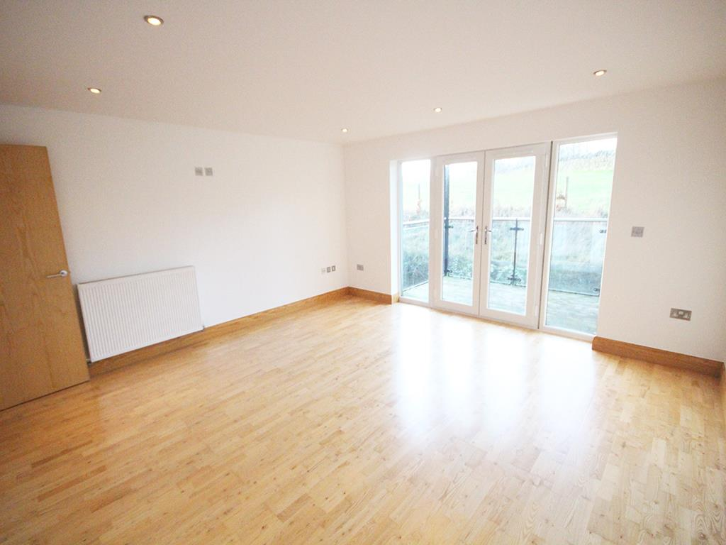 2 bedroom flat For Sale in Foulridge, Colne - IMG_0903.jpg